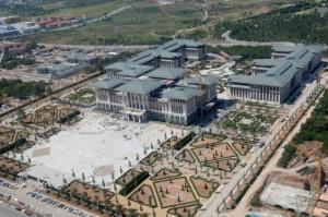قصر اردوغان الرئاسي الذي أثار جدلاً في تركيا