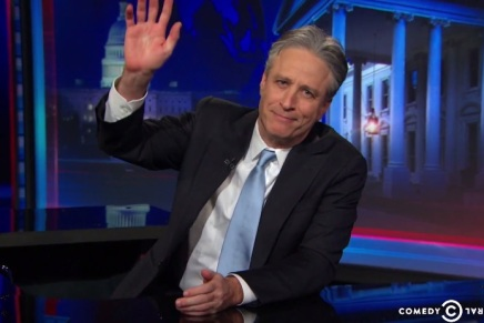 Video: Watch Jon Stewart's emotional announcement on departing from The Daily Show :فيديو