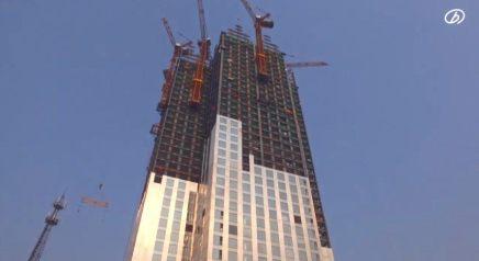 Watch a 57-Story Building Go Up in 19 Days :: شاهد فيديو: مبنى في الصين من ٥٧ طابق يشيد بـ ١٩يوم