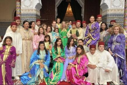 17 Royal Family Photos From Around The World :: شاهد الصور العائلية لسبعة عشر أسرة ملكية حولالعالم