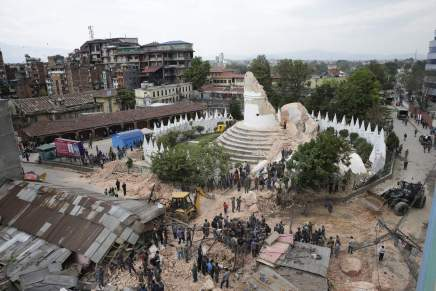Nepal: Before & after in pictures :: سبع صور قبل وبعد زلزالنيبال