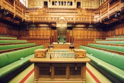 عالسريع: كل ما تحتاج أن تعرفه عن الانتخاباتالبريطانية