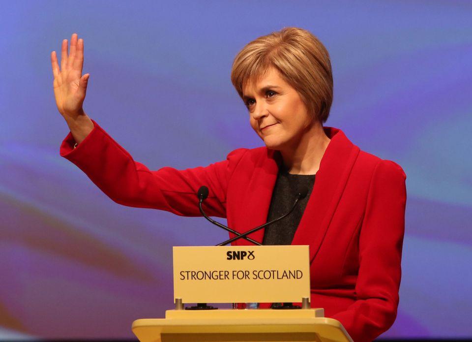 نيكولا ستيرجيون رئيسة الحزب الوطني الاسكتلندي