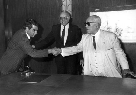 """رواية """"الطلياني"""" الفائزة بجائزة بوكر العربية: تقلبات القيم والسياسة والمجتمع في تونسالثمانينات"""