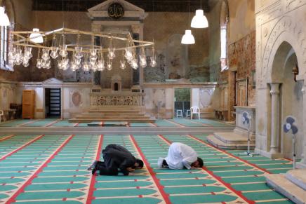 مسجد فينيسيا الوحيد.. داخلكنيسة