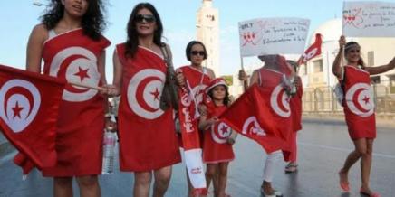 عالسريع: لماذا أطلقت نساء في الجزائر وتونس حملاتلدعم السيقانالعارية؟