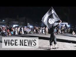 """فيلم وثائقي من داخل """"الدولة"""": كيف يعيش الناس تحت حكمداعش؟"""