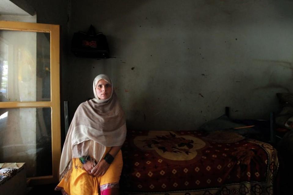 portraits-of-afghani-women-imprisoned-for-moral-crime-131-1431715455-size_1000