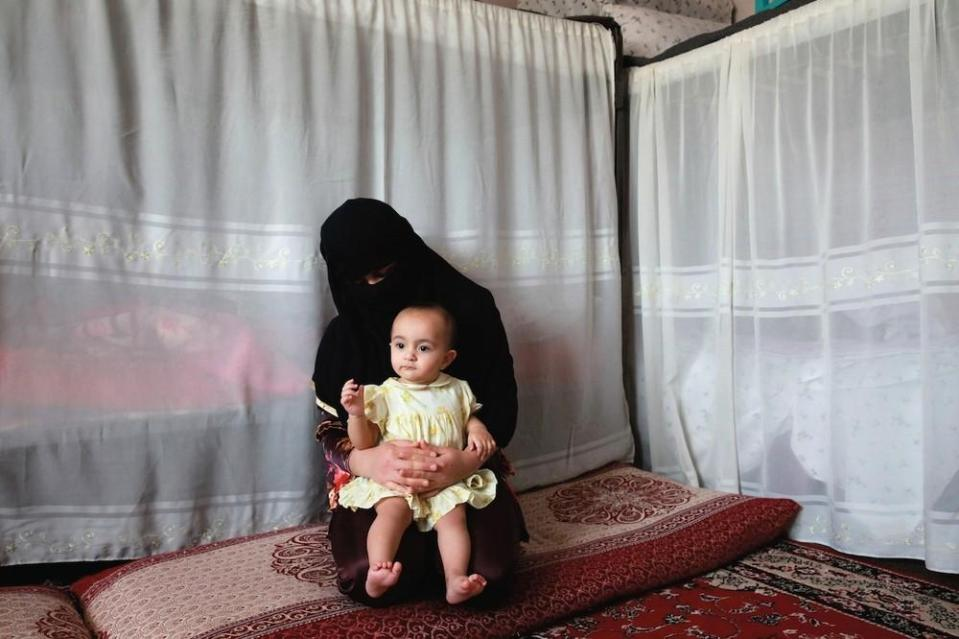 portraits-of-afghani-women-imprisoned-for-moral-crime-542-1431715461-size_1000
