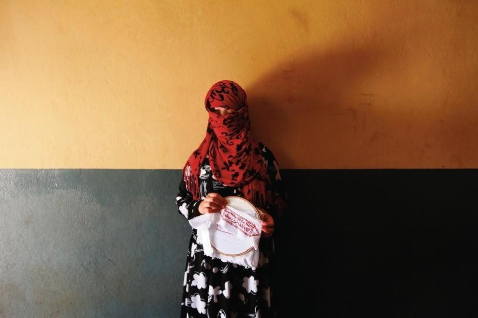 portraits-of-afghani-women-imprisoned-for-moral-crime-642-1431715456-size_1000
