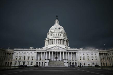 خيبات أمل متزايدة: هل آن أوان تطوير النظامالديموقراطي؟