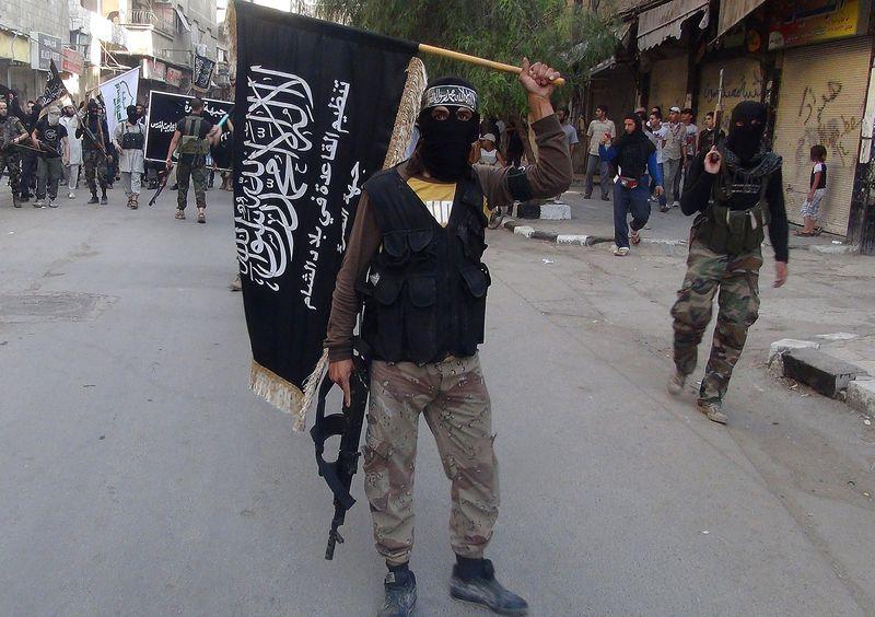 Nusra_Fighter_Gun_Flag.0