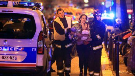 الجمهور عايز كده: لماذا حظيت هجمات باريس بتغطية إعلامية أكثر من نظيرتها في بيروتوكينيا؟