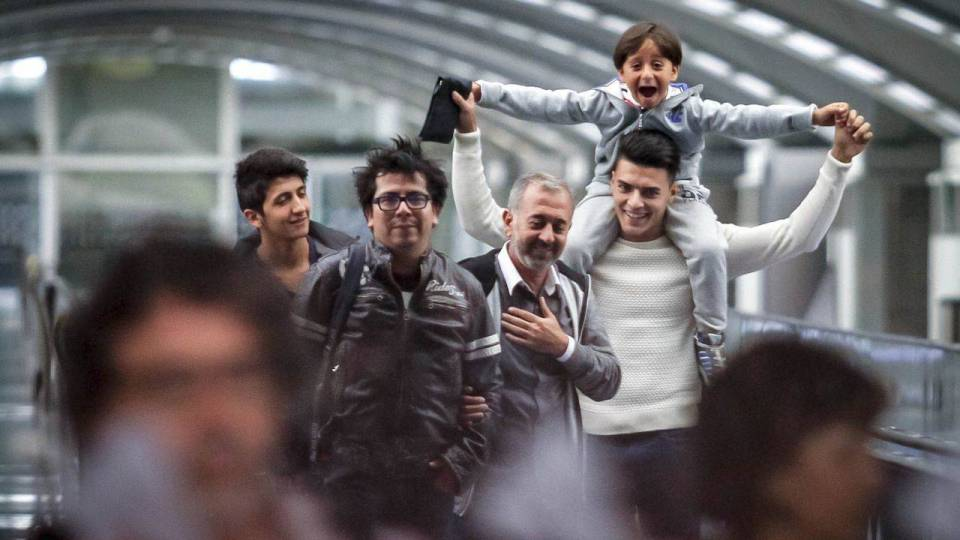 osama abdulmohsen family happy