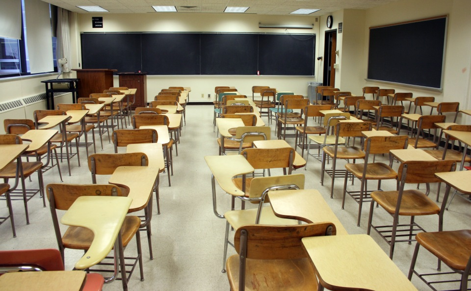 classroom-of-empty-chairs1