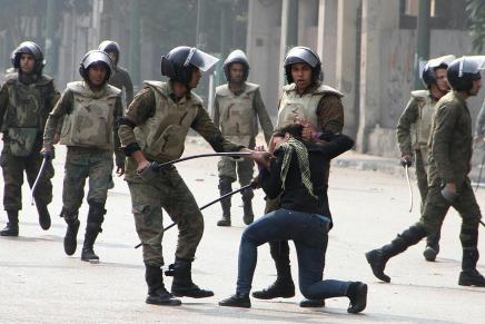 ثورة تأكل أبناءها: خمس قصص تحكي أين وصل حال المطالبين بالحرية فيمصر