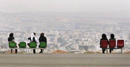 محاولة للتنفس: شباب يطورون تطبيق لتفادي شرطة الأخلاق فيإيران