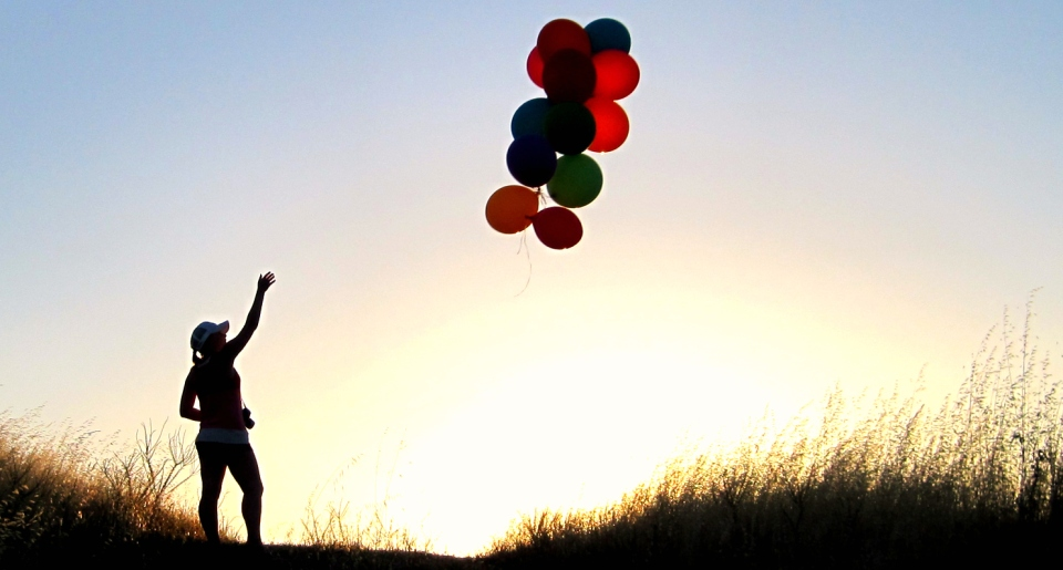 Letting-Go-of-Balloon-Past-Spoil-Your-Future