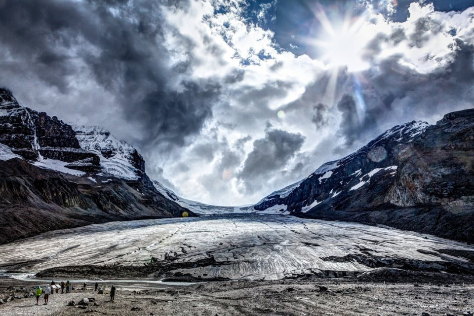 athabasca_glacier_by_dilznacka-d5piv1w