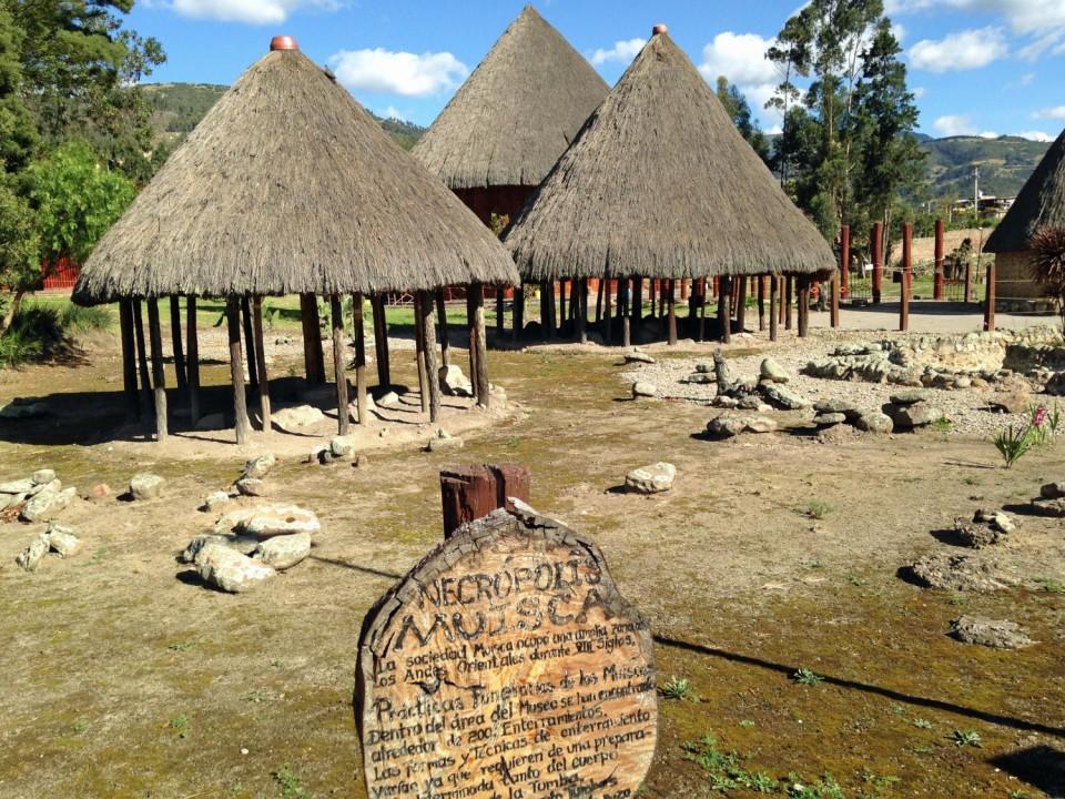 sogamoso-arch-huts