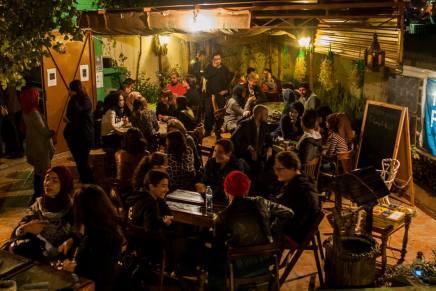 """نَقْش"""".. منزل قديم في قلب عمّان تحول إلى مقهى لتبادلالثقافات"""""""