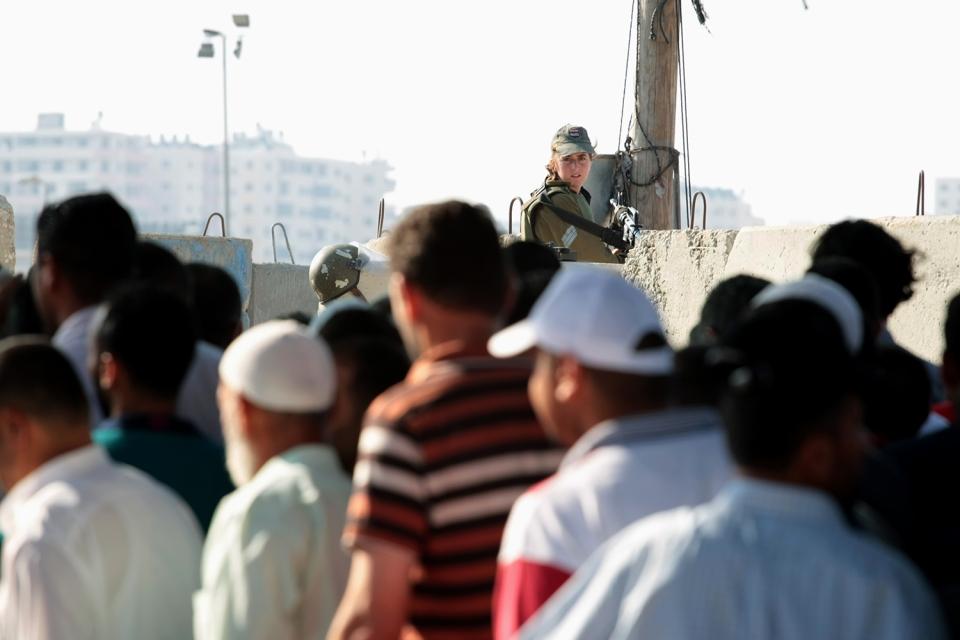 palestine israeli checkpoint