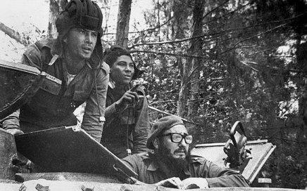 """تزامنا مع ذكرى """"خليج الخنازير"""" كاسترو لأوباما: لسنا بحاجة لأن تهدينا أيشيء"""