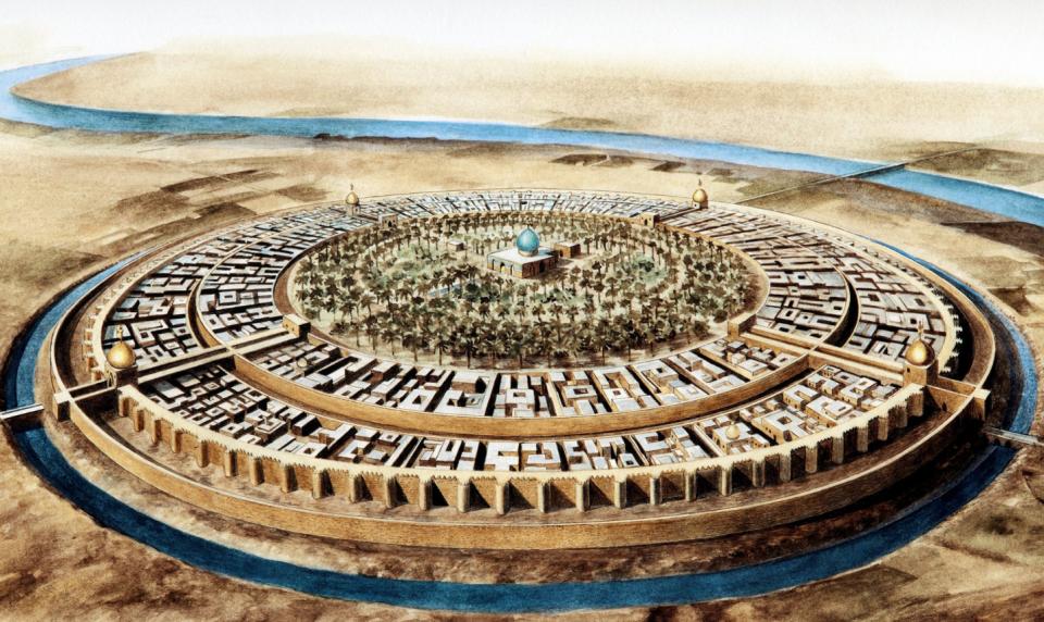 مدينة بغداد في القرن العاشر، أوج الخلافة العباسية