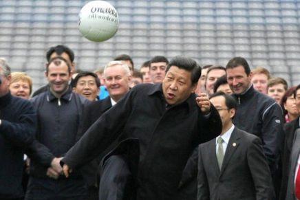 الصين وكرة القدم: كيف يحقق الإنفاق الكبير على اللاعبين أهدافاًسياسية؟