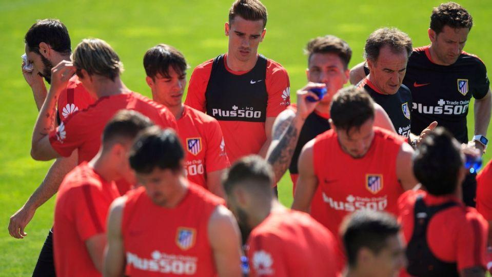 atletico madrid training football