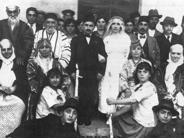 عرس يهودي في بغداد حين كان اليهود مكوناً من مكونات المجتمع العراقي