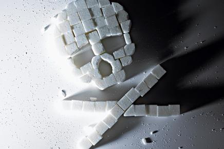 كيف يؤثر تناول السكر علىأجسامنا؟