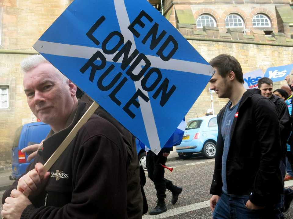 bombshell-new-poll-shows-yes-taking-the-lead-in-scottish-independence-vote.jpg