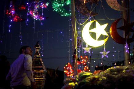 رمضان جانا وربحنا به: هل تحول الشهر الفضيل إلى مناسبةتجارية؟