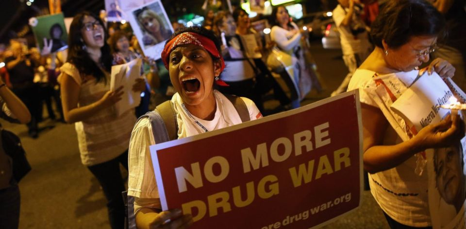 gty_drugwarprotest_131010_33x16_1600