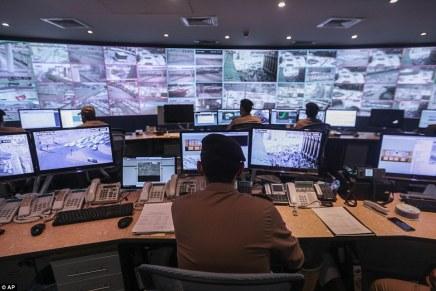 """""""هاكر"""" يكشف تجربته الشخصية: هل تتجسس الإمارات علىشعبها؟"""